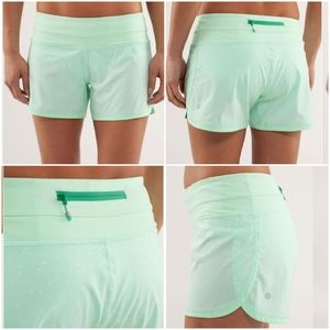 Lululemon Groovy Run Short  Petit Dot Fresh Teal